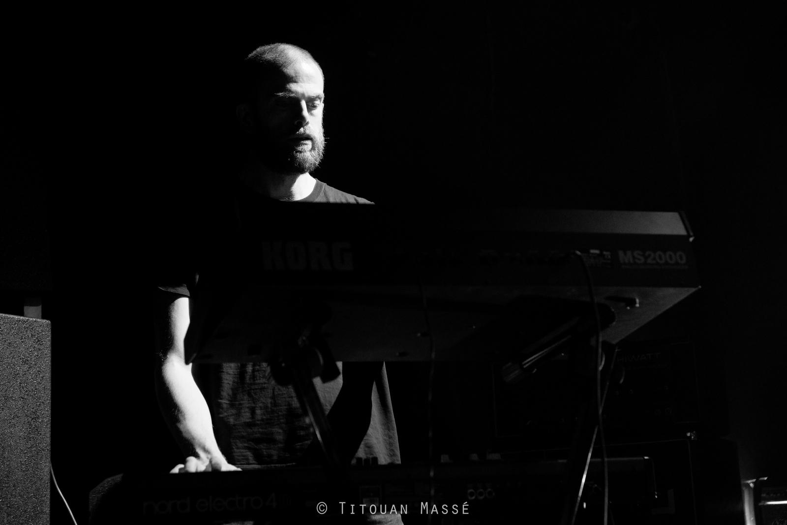 Critique du concert de Ty Segall Band de Drag City Records et J.C. Satàn de Born Bad Records en concert à La Coopérative de Mai de Clermont-Ferrand le mardi 28 octobre 2014 accompagné de photos signées Titouan Massé