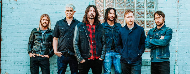 2017 concrete and gold foo fighters dave grohl taylor hawkins pat smear nate mendel rami jaffee chris shiflett the sky is a neighborhood critique review chronique